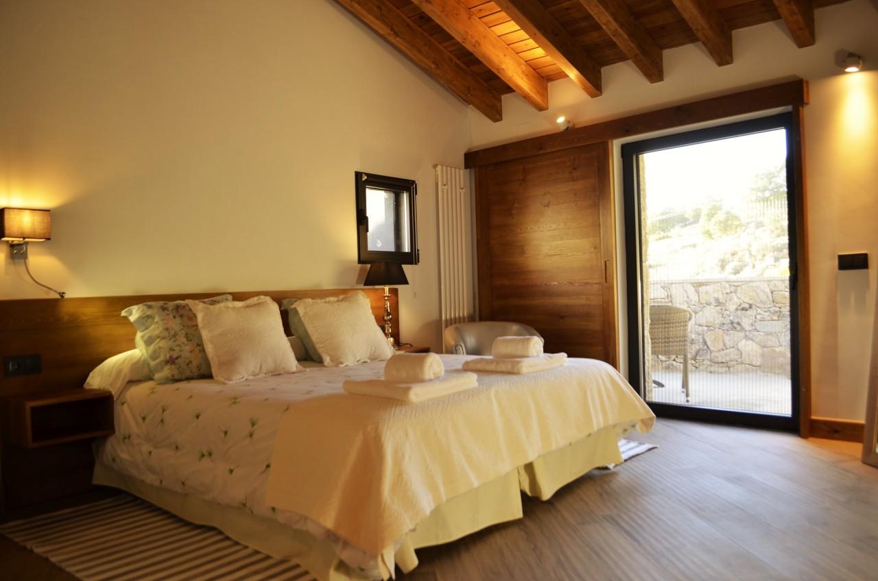 Suite La Mira con Terraza, Chimenea y Bañera Grande.