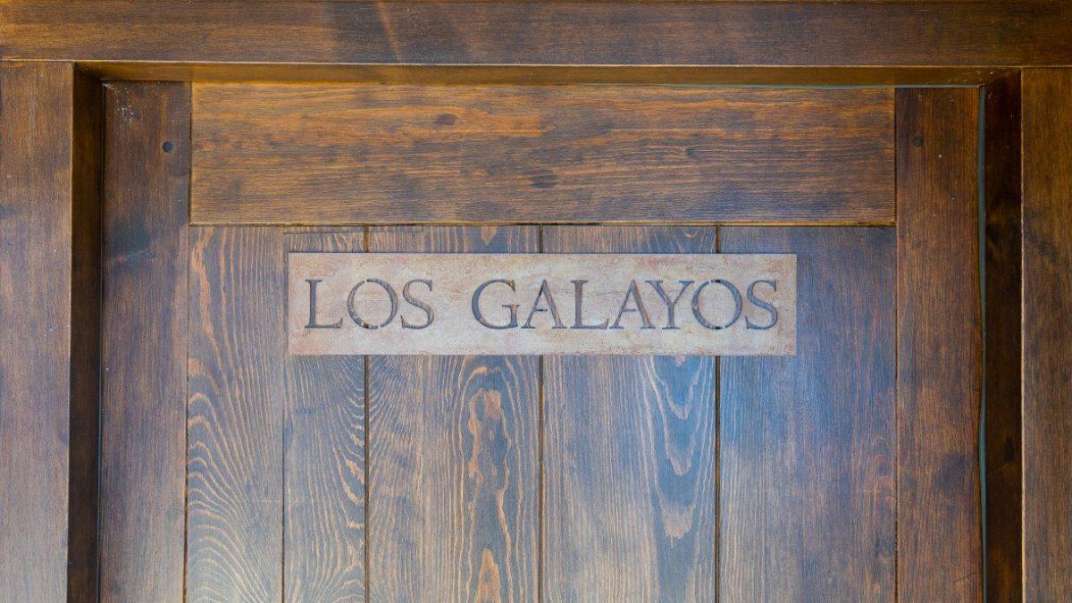 LOS GALAYOS PUERTA